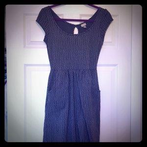 Vanity black & gray pattern dress w/ pockets